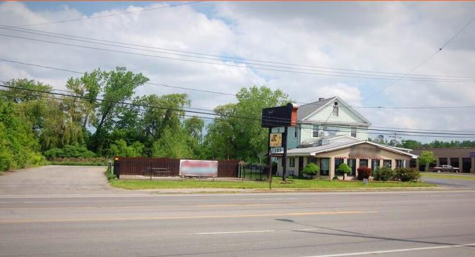 7560 Niagara Falls Boulevard Niagara Falls, NY 14304 - main image
