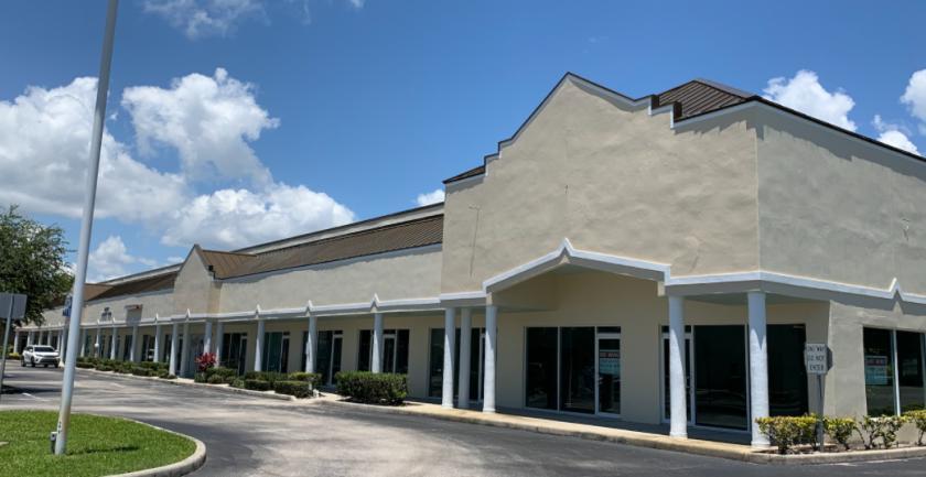 925 North Courtenay Parkway Merritt Island, FL 32953 - alt image 3