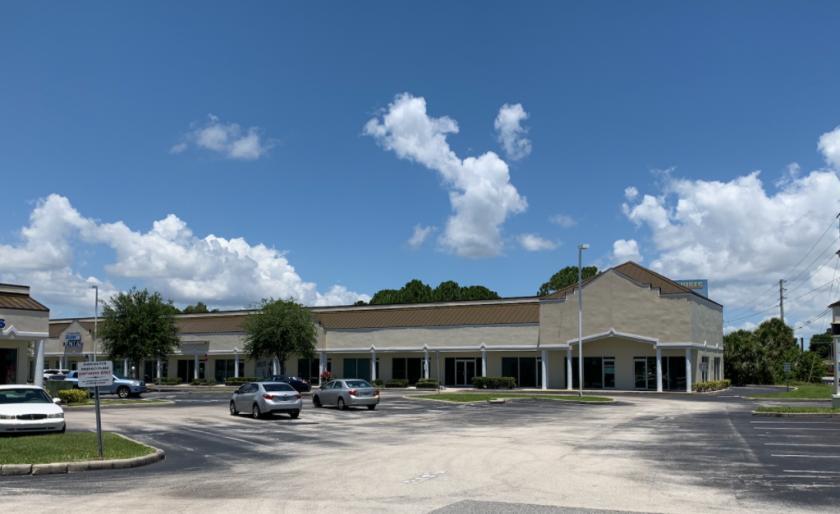 925 North Courtenay Parkway Merritt Island, FL 32953 - main image