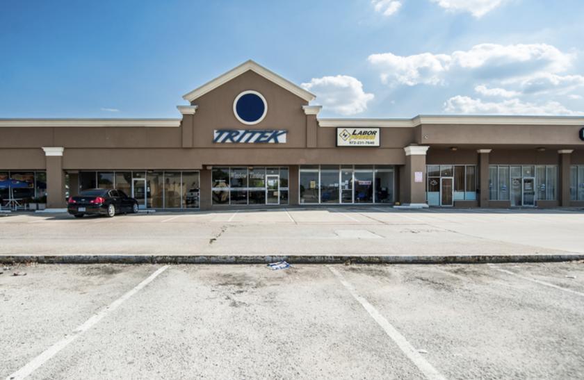 525 West Arapaho Road Richardson, TX 75081 - alt image 2