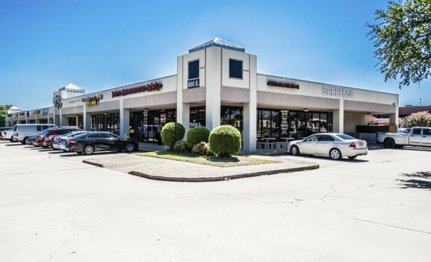 800 East Arapaho Road Richardson, TX 75081 - main image