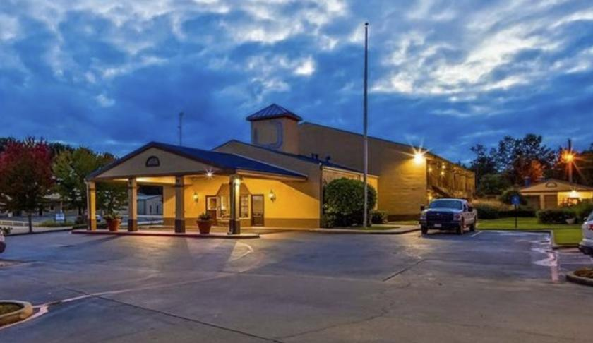 4809 Northwest Stallings Drive Nacogdoches, TX 75964 - main image