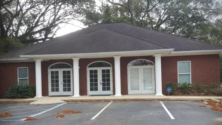 5613 Cottage Hill Road Mobile, AL 36609 - main image