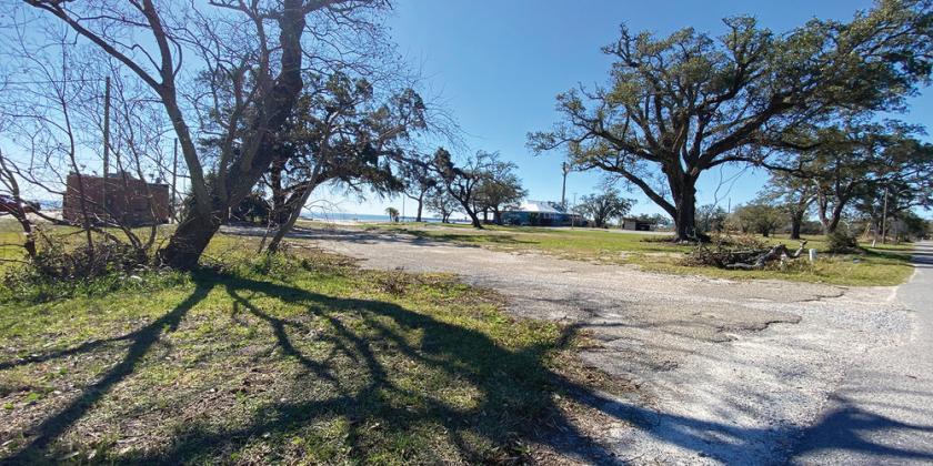 660 Beach Drive Gulfport, MS 39507 - alt image 2