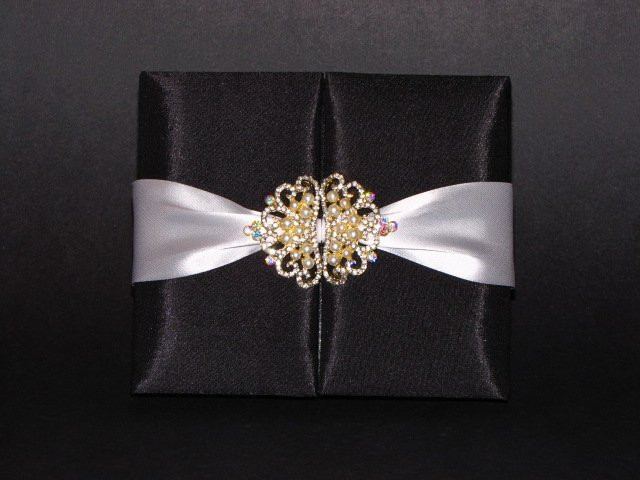 Posh Luxury Invitations's profile image
