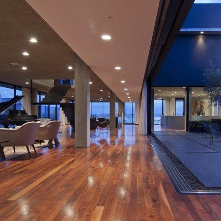 Marina 5 Penthouse