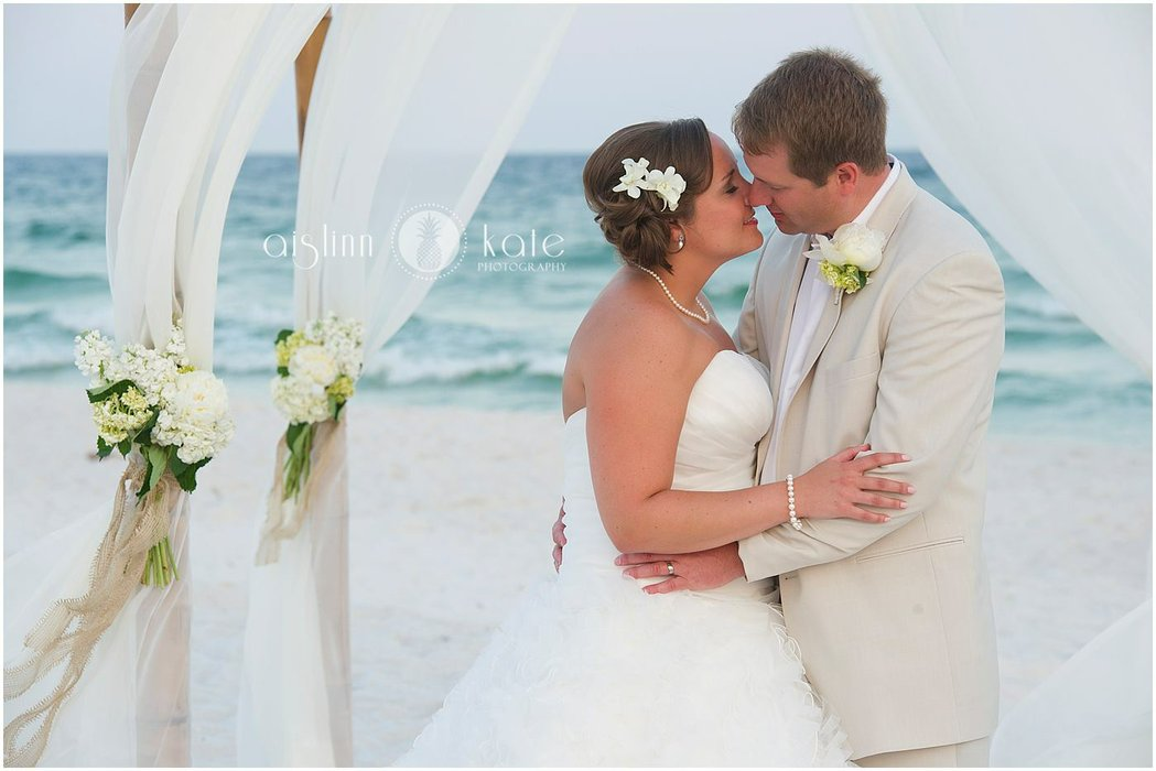 White Sand Weddings's profile image