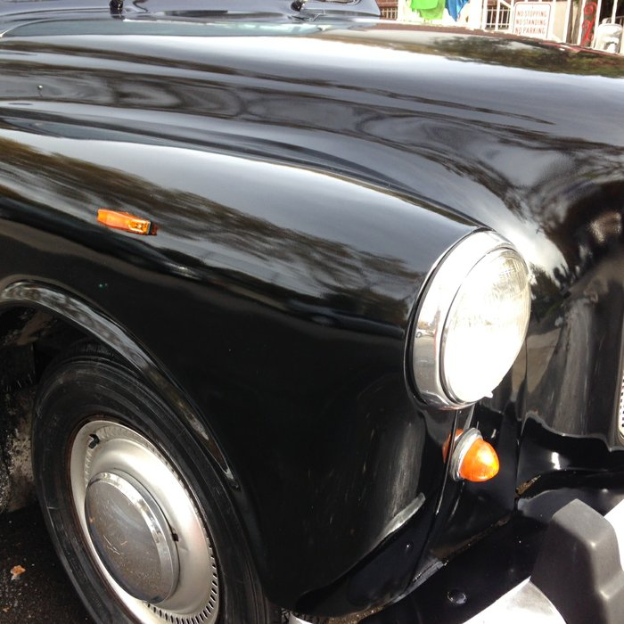 A1 OF A KIND VINTAGE LONDON BLACK TAXI CAB COMPANY's profile image
