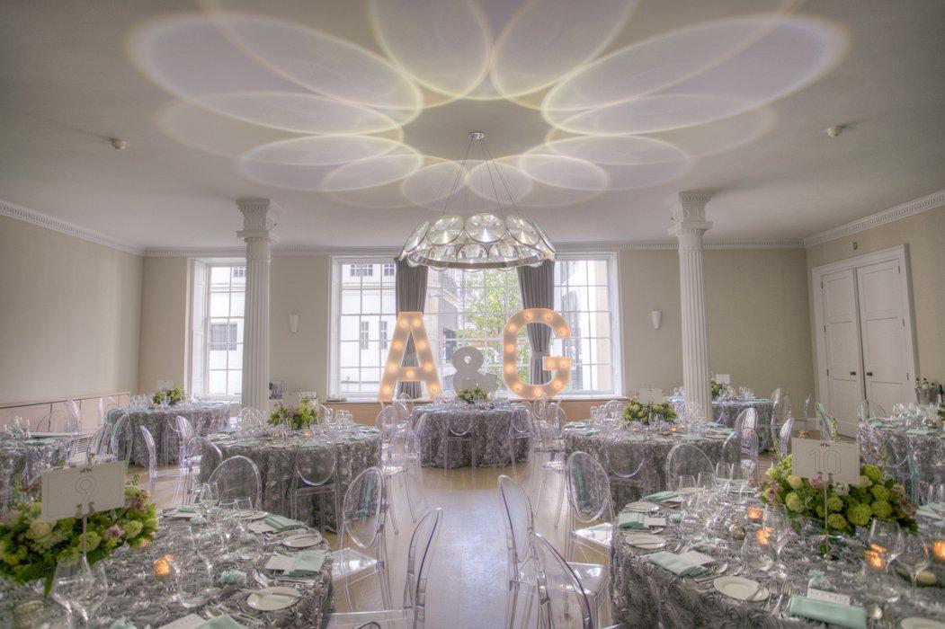 Isabel Smith Wedding Design's profile image