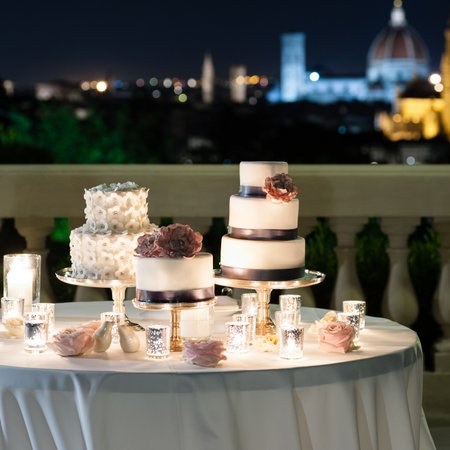 Wedding cakes in Tuscany