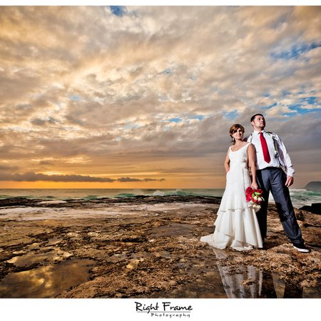 Right Frame Photography - Waikiki Wedding Photographer