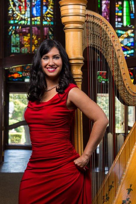 Boston Harpist Lizary Rodriguez's profile image