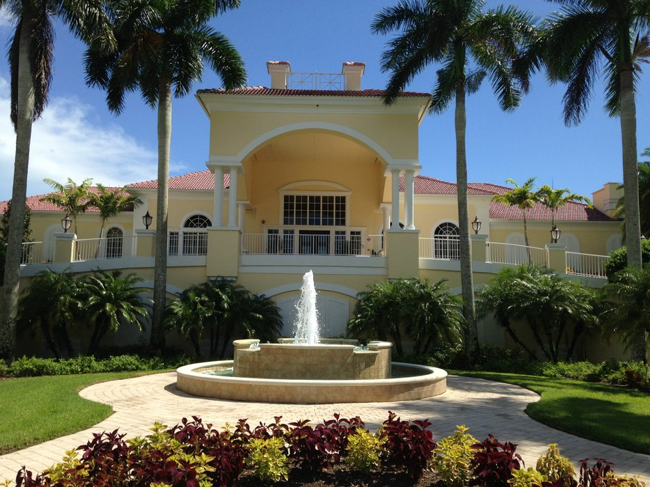 Naples Lakes Country Club 's profile image