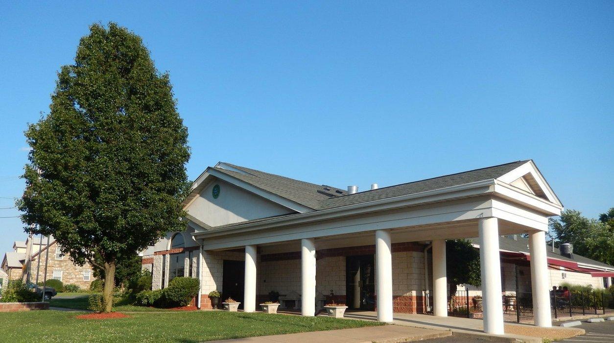 Crescent Hill Manor's profile image