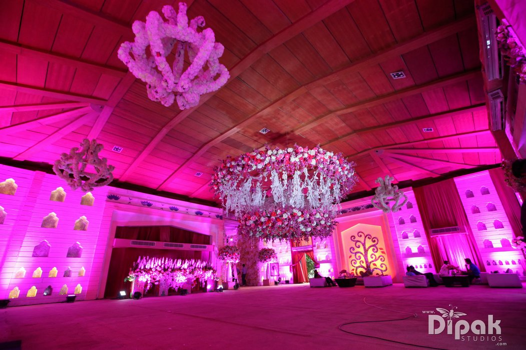 Shubh Muhurat Luxury Weddings's profile image
