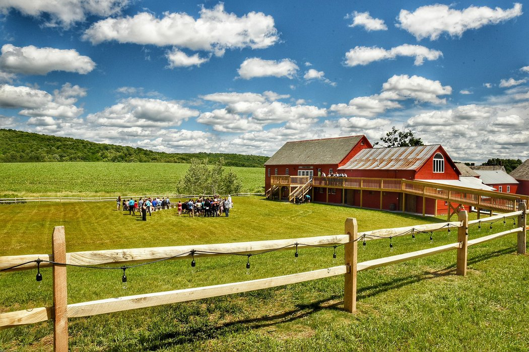 Wedding Barn at Lakota Farm's profile image