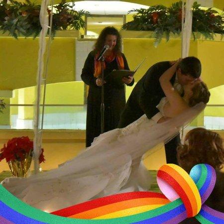Lauren Weds, Springfield Missouri Wedding Officiant