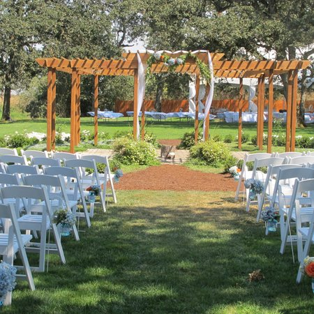 Stewart Family Farm Outdoor Weddings