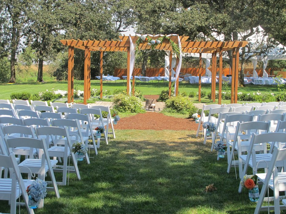 Stewart Family Farm Outdoor Weddings's profile image