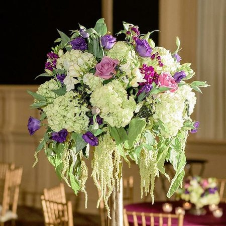Dunn and Sonnier Antiques & Flowers LLC