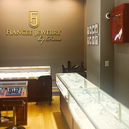 Fiancee Jewelry