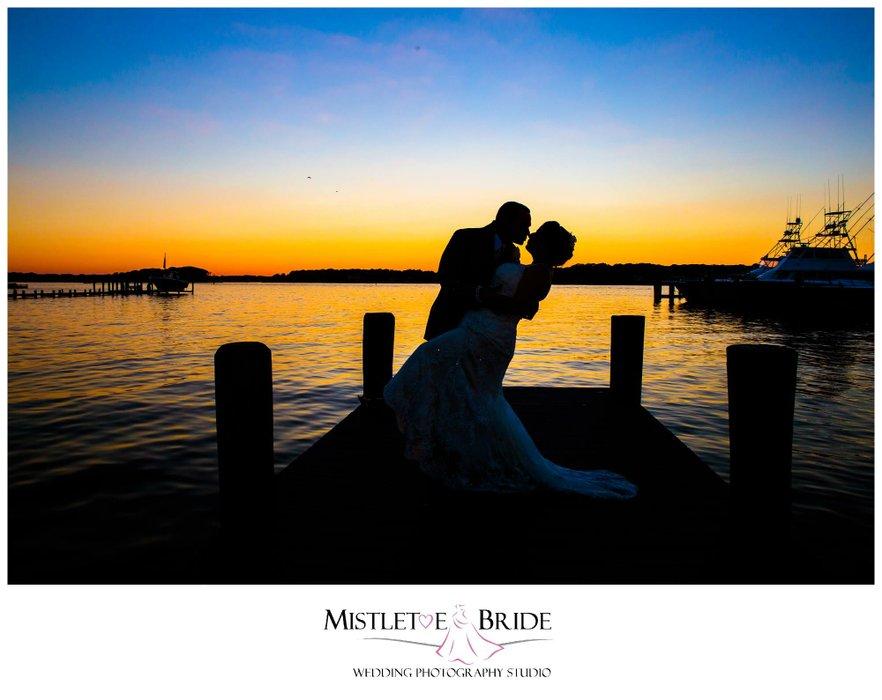 Mistletoe Bride's profile image