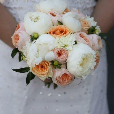 Saratoga springs ny wedding florists weddingflowerlove saratoga springs ny blooms wedding and event design studio mightylinksfo