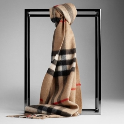 Picture of Burberry Giant Check Cashmere Scarf - Camel