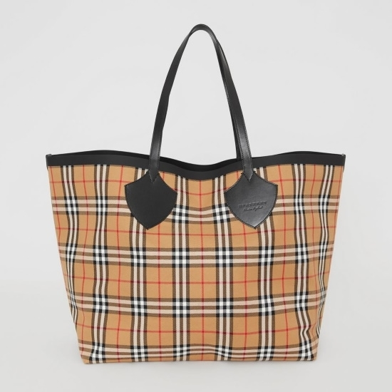 Picture of Burberry The Giant Reversible Tote - Vintage Check