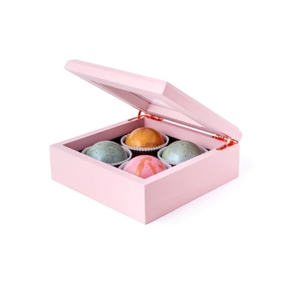 Picture of Flair 4-Piece Maple Wood Box of Chocolate Truffles