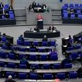 La chancelière allemande Angela Merkel prend la parole devant le Bundestag, le 16 avril 2021 à Berlin
