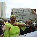 Des victimes de la crise post-électorale de 2010-2011 en Côte d'Ivoire manifestent contre le retour de l'ex-président Laurent Gbagbo à Abidjan, le 10 mai 2021