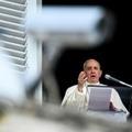 Le pape François récite la prière de l'Angélus, le 26 septembre 2021 au Vatican