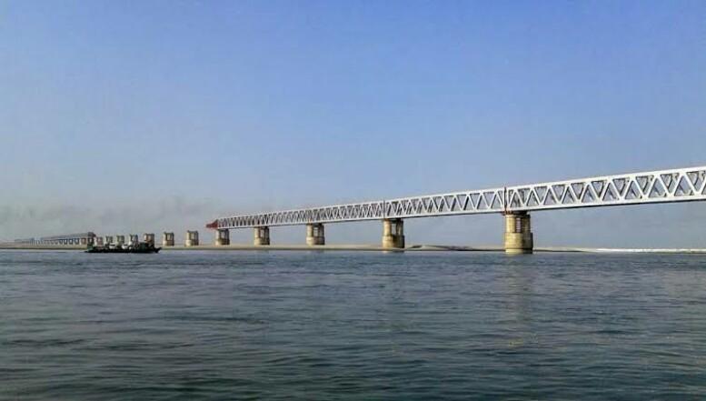 இந்தியாவின் மிக நீண்ட சாலை மற்றும் ரயில் பாலம்