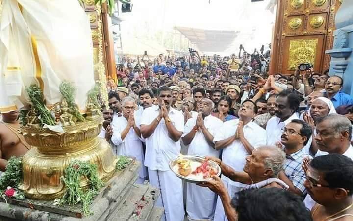 கன்னியாகுமரி மண்டைக்காடு பகவதி அம்மன் கோயில் திருவிழா கொடியேற்றத்துடன் தொடங்கியது.