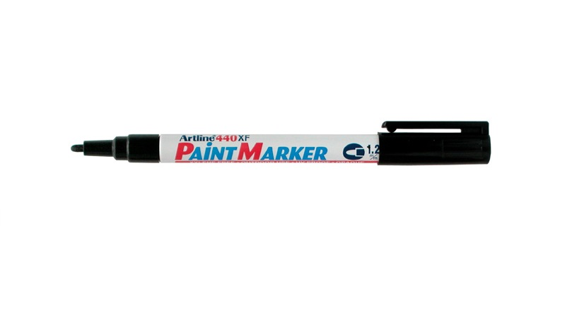 Artline EK440 Paint Marker Black
