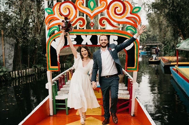 sesión de fotos de boda en las trajineras de Xochimilco