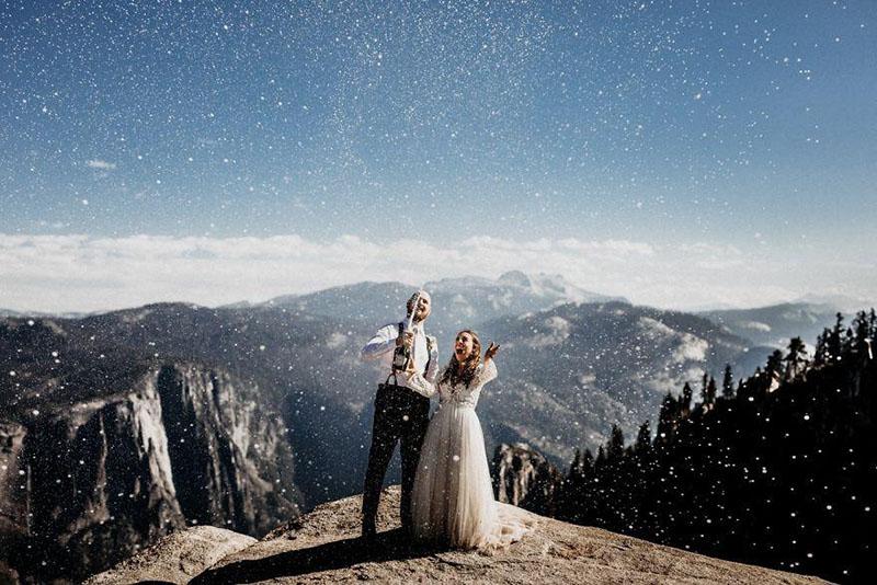 fotografia_profesional_para_bodas_novios_en_montaña_ideas_romantica