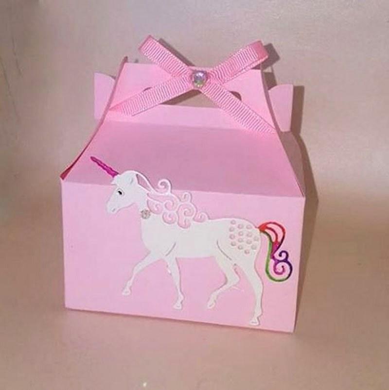 dulcero para bautizo de niña_recuerdo en caja para bautizo de niña_caja de dulces para bautizo con unicornio