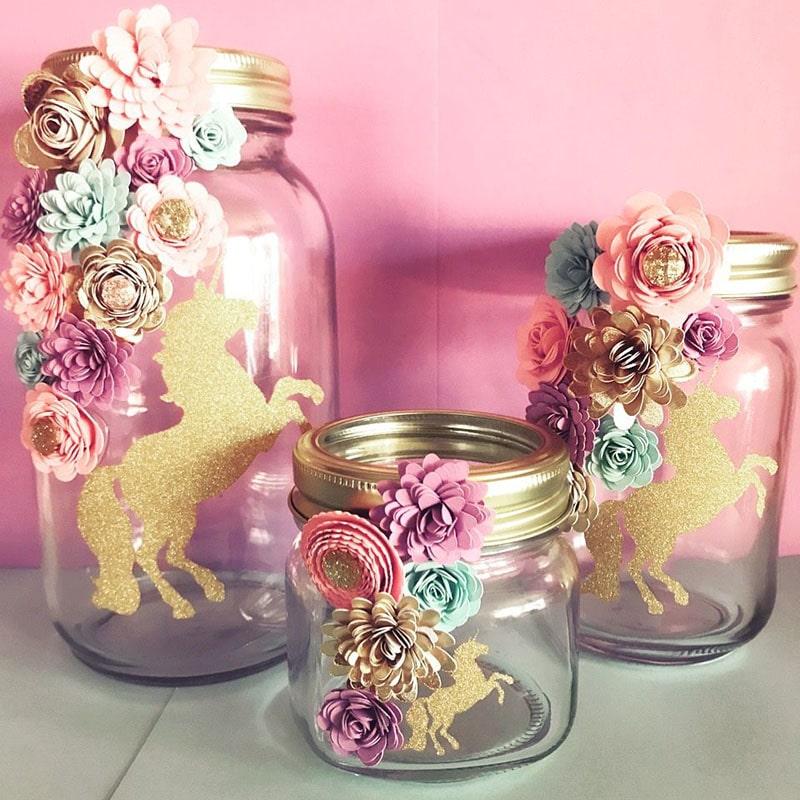 frascos de vidrio decorados para recuerdo de bautizo de niña con temática de unicornio