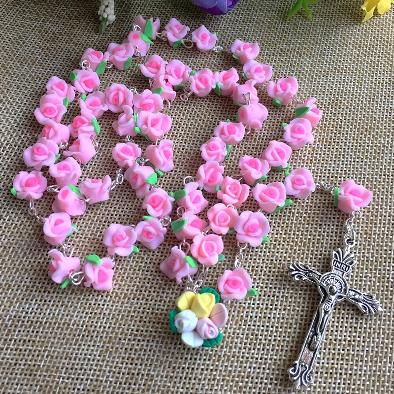 rosario hecho con pasta francesa para hacer cuentas florales rosario de bautizo