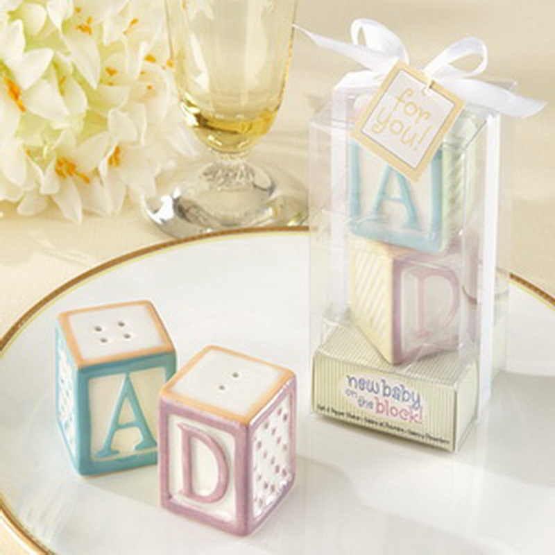 salero y pimentero en forma de pequeños cubos infantiles