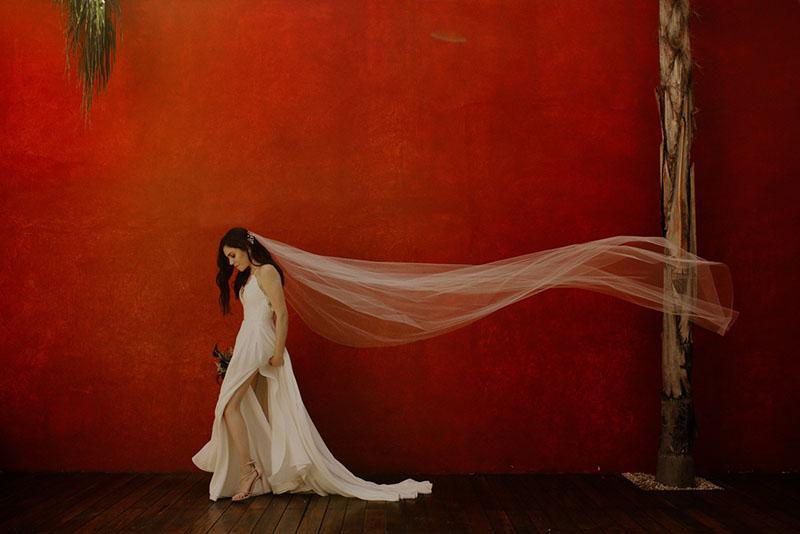 novia_fotos_originales_bellas_mejores_fondo_rojo