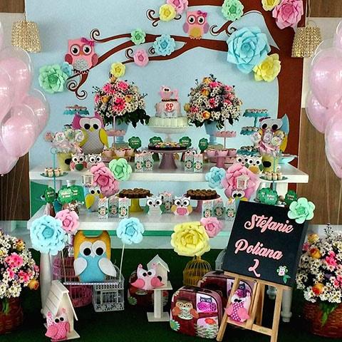 Bautizo y baby shower con decoración temática de búho