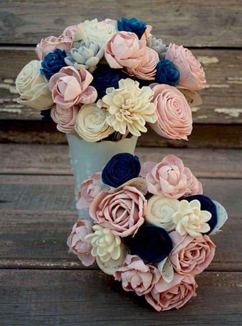 Lazo Flower Blue con Cofre Jardín de Rosas, acompaña la decoración de tu boda con rosas.