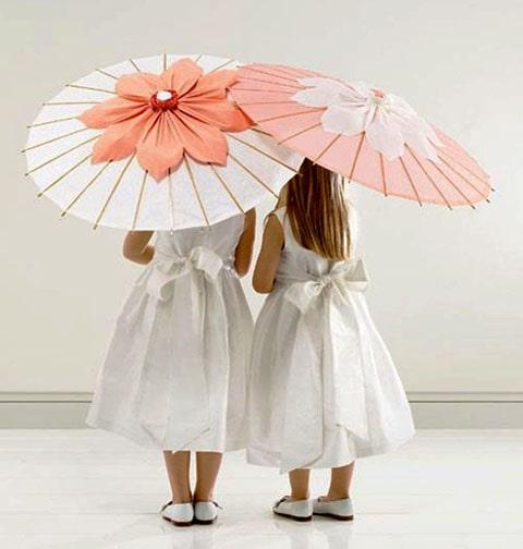 Sombrilla china blanca para complementar bodas