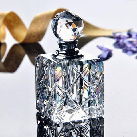 Botella con tapón de esfera de cristal