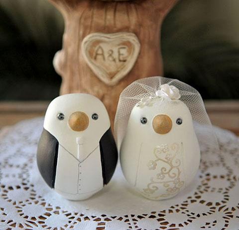 Los tortolitos son considerados la representación del afecto entre la pareja, por lo cual son usados en decoraciones de bodas
