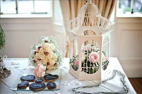 Llavero de boda tortolitos, ideal para acompañar una decoración vintage