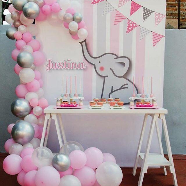centro de mesa para baby shower o bautizo de niña con temática de elefantito
